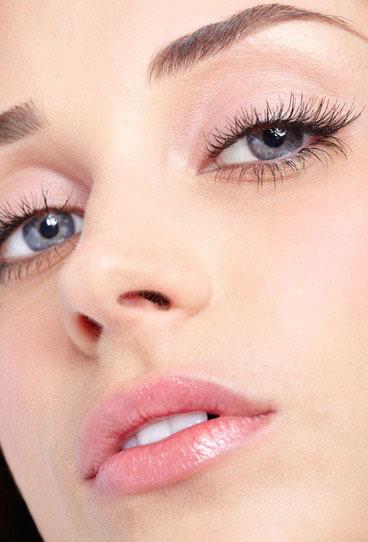 9 Tricks für ein natürliches Wimpernwachstum