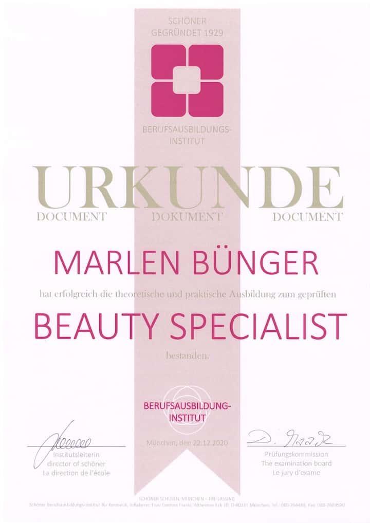 Marlen Youneeq Beauty Specialist